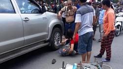 Tạm giữ tài xế lùi ô tô ở ngã tư cán chết người