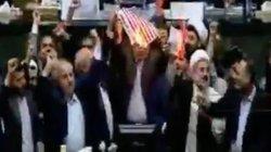 """Chính trị gia Iran đốt cờ Mỹ, hô vang """"cái chết đến với nước Mỹ"""""""