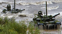Balan và các nước Baltic đứng ngồi không yên vì xe tăng mới Nga