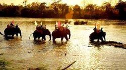 Về Đắk Lắk cưỡi voi Bản Đôn, ngắm thác Dray Sáp hùng vĩ