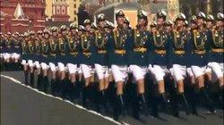 """Ngắm những """"bóng hồng"""" xinh như mộng trong lễ duyệt binh Nga"""