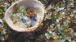Bãi biển vô danh ở Nhật trở nên nổi tiếng vì sử dụng nguyên liệu tái chế
