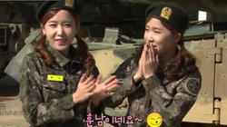 Mê mẩn dàn gái xinh Hàn Quốc trong trang phục binh sỹ