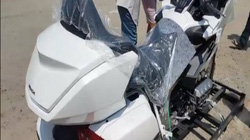"""""""Đập hộp"""" chuyên cơ mặt đất 2018 Honda Goldwing đầu tiên về Việt Nam"""