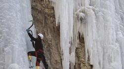 Ngả mũ trước cụ ông Trung Quốc cụt chân chinh phục đỉnh Everest