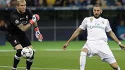 Bàn thắng của Benzema vào lưới Liverpool có sai luật?