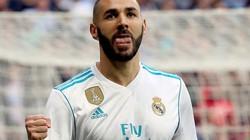 """Clip: Thủ môn Liverpool """"biếu không"""" bàn thắng cho Benzema"""