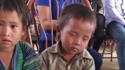 """Clip """"giấc ngủ chập chờn của em bé vùng cao"""" khiến dân mạng cảm động"""