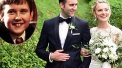 """""""Phù thủy ngố"""" Matthew Lewis răng thỏ trong """"Harry Potter"""" cưới vợ"""