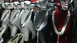 Giá xe máy chênh cao, dân buôn lãi 6.000 tỷ đồng từ khách mua