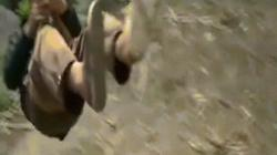TQ: Nơi dân làng trượt dây vèo vèo qua sông hằng ngày