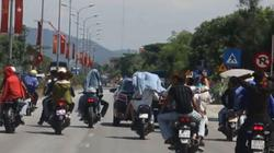 Nhóm thanh niên đánh võng, không cho xe khác vượt trên quốc lộ