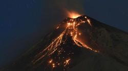 """Guatemala: Núi lửa phun trào, dòng sông chết """"nuốt"""" cả một làng"""