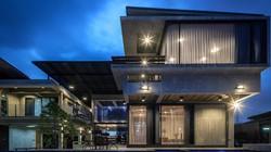 Biệt thự cho hai thế hệ được khen ngợi với kiến trúc đẹp như resort