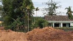 """Dự án đổ đất """"nhốt"""" nhà dân:  Đền bù """"giá bèo"""", bán ra """"giá vàng"""" ?"""