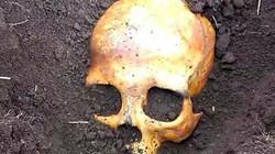 Chồng tá hỏa đào trúng sọ người trong vườn, vợ bình thản thú nhận tội ác