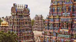 Ngôi đền cầu vồng nổi tiếng với hàng ngàn bức tượng đủ hình thù kì dị