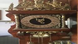 Đấu giá đồng hồ cổ nổi tiếng trong giải bi da báo chí miền Tây