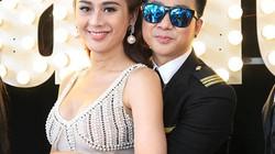 Quách Tuấn Du vô tư ôm hôn Phi Thanh Vân, Việt Trinh tại sự kiện