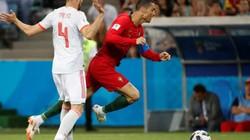 Ăn vạ thành công, Cristiano Ronaldo lập siêu kỷ lục
