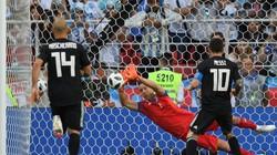 """Messi đá hỏng phạt đền, Argentina bị Iceland """"cưa điểm"""""""