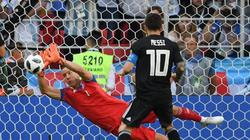 Argentina bị cầm hòa, trò cưng đá hỏng phạt đền, thầy của Messi nói gì?