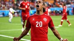 """Schmeichel cứu thua 6 lần, Đan Mạch """"bắn hạ"""" Peru"""