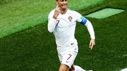 """""""Xé lưới"""" Morocco, Ronaldo thiết lập lập 2 kỷ lục mới"""