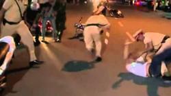 Vi phạm giao thông còn tấn công và tông vào xe đặc chủng của CSGT