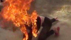 Truy bắt kẻ đổ xăng lên đầu người tình rồi châm lửa