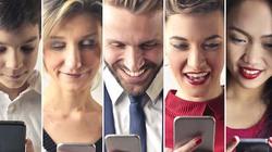 """Điều gì xảy ra với não bộ khi bạn """"dán mắt"""" vào smartphone?"""