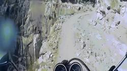 Dựng tóc gáy dõi theo hành trình vượt dãy Himalaya bằng... xe máy