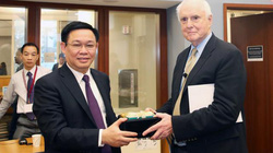 Phó Thủ tướng Vương Đình Huệ thăm Viện Công nghệ MIT Hoa Kỳ