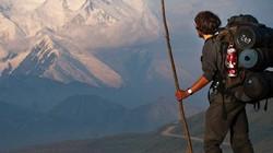 Băng tan để lộ 66 tấn chất thải người ở ngọn núi cao nhất Bắc Mỹ