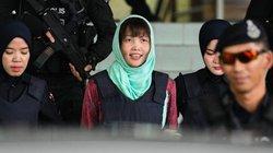 Hình ảnh Đoàn Thị Hương tươi cười rời tòa khi được hủy tội danh Giết người