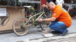 Chiếc xe đạp em bé Sơn La đi 103 km thăm em bán đấu giá 103 triệu