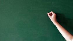 Án phạt bất ngờ dành cho nữ giáo viên quan hệ với 3 học sinh ở Mỹ