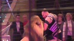 Sư tử tấn công người huấn luyện giữa rạp xiếc Ukraine, khán giả kinh hoàng gào hét