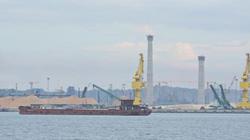 """Quảng Ngãi: 12 triệu m3 cát nhiễm mặn ở Dung Quất sẽ """"nhận chìm"""" ở đâu?"""