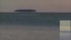 Video: Vật thể khổng lồ bí ẩn trôi nổi trên hồ nước ở Mỹ