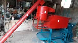 U60 Sơn La sáng chế máy tách vỏ cà phê, ai cũng mê