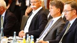 3 hãng ô tô Đức bị cáo buộc thông đồng hạn chế công nghệ kiểm soát khí thải