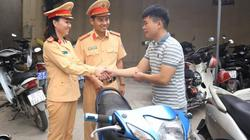 Clip: Tưởng vô vọng bỗng nhận lại xe máy sau 4 năm bị lấy cắp