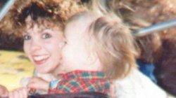 Mỹ: Đào đất sửa nhà, không ngờ thấy hài cốt người mẹ mất tích 20 năm