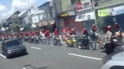 SỐC: Xe máy diễu hành rú ga rền vang như bắn pháo đa nòng