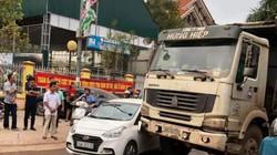 Quảng Ninh: Xe quá tải chở đất rầm rập lấp vịnh Bái Tử Long