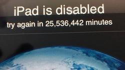 Chờ đợi… 48 năm để mở khóa iPad vì con trẻ nghịch dại