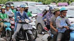 ẢNH: Người dân ùn ùn lên Hà Nội, nhiều tuyến đường ùn tắc