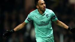 Arsenal thắng may để trở lại top 4, HLV Emery nói gì?