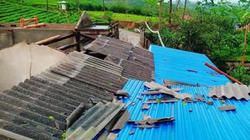 """Thái Nguyên: Mưa đá, giông lốc ập tới """"cuốn bay"""" 32 tỷ đồng"""